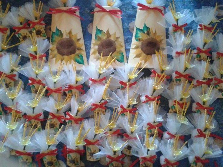 Tegoline con girasole dipinto a mano