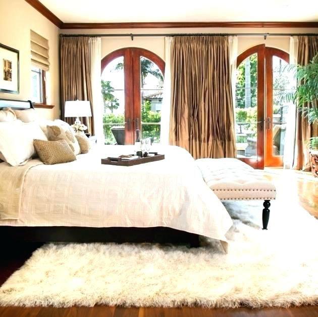 How to choose bedroom area rugs | Mediterranean bedroom ...