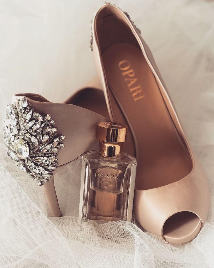 Heel Embellished peep toe wedding shoe! #nudeshoe #oparishoes #weddingshoes #peeptoeweddingshoes