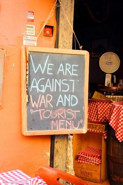 Yo he comido aquí. Tan romántico y, de verdad, poco turístico! (Roma)