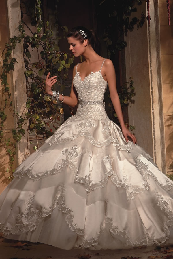 Eve is an award winning bridal gown designer. Her new Eve of Milady and Amalia Carrara collections of wedding dresses are a vision of timeless elegance and romance. Each gown is magnificent and unique that makes wearing these gowns a magical experience.
