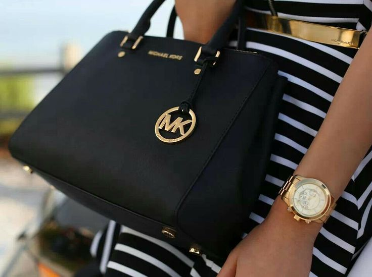 Mk black purse and watch! I want!