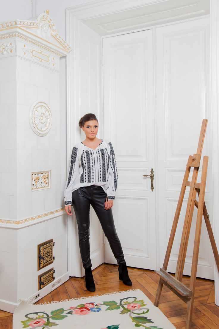 One of our favourites! The perfect contrast. #florideie #fashion #style #designer #romaniandesign #embroidery #handmade #blackandwhite #elegance #ootd