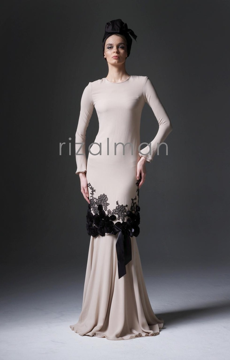 Rizalman is one of Malaysia's designers. I find this so pretty!