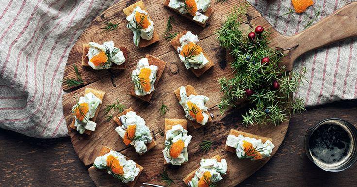 Vegetarisk röra Skagen-style - recept med tofu, avokado och majonnäs.