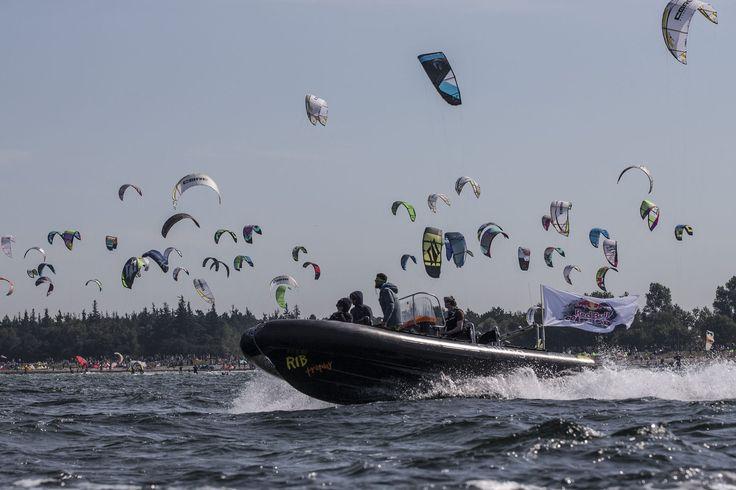 Das längste Kitesurf-Rennen der Welt war ein voller Erfolg! Seht hier die besten Fotos des Events.