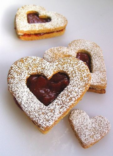 Linzer cookies. Perfect for Valentine's day.