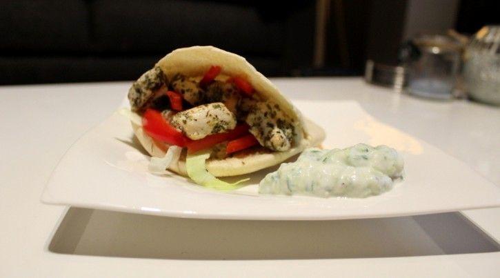 Pita Griekse kip met tzatziki: gezond en snel te maken.