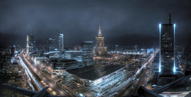 Warszawa nocą.
