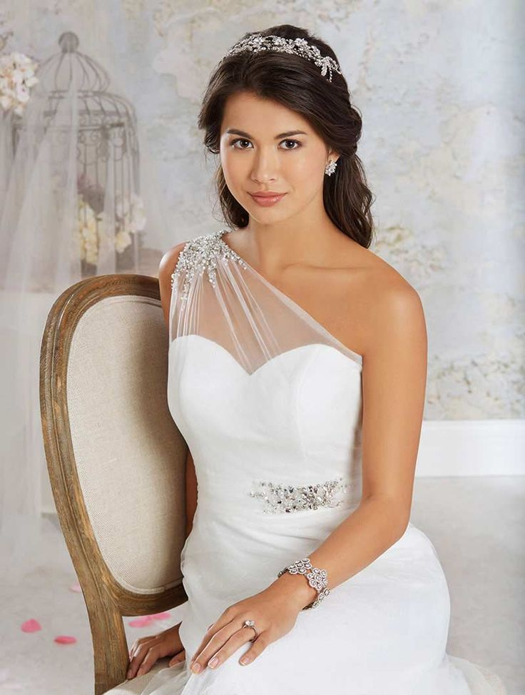 One Shoulder Wedding Dresses: 15 Seriously Stunning Styles