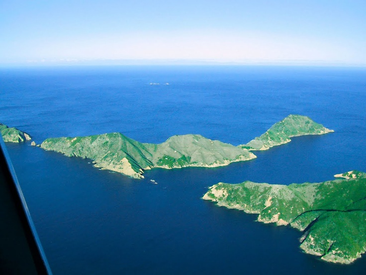 Puangiangi Island - Photo from helicopter