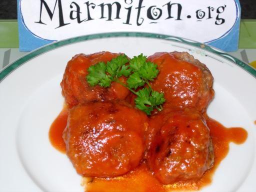 muscade, poivre, échalote, chapelure, oeuf, origan, beurre, porc, ail, sel, coulis de tomate