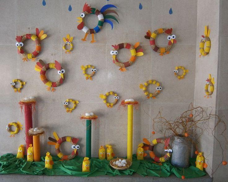 Velikonoční výzdoba ve vchodu školy 2017