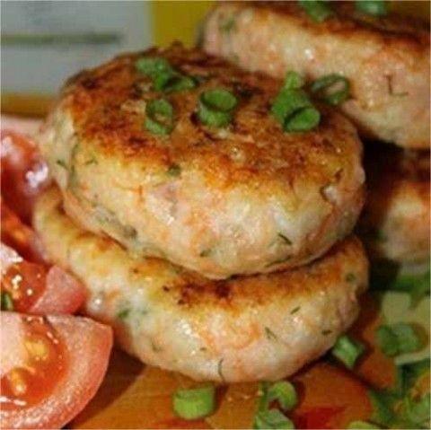 Ингредиенты:  500 г рыба 1 морковь 50 г сыра 1 луковица 1 яйцо 2 столовые ложки сметаны специи(сушеный базилик, чеснок, кориандр, укроп, тмин, черный молотый перец)  За рецепт спасибо группе Диетичес…