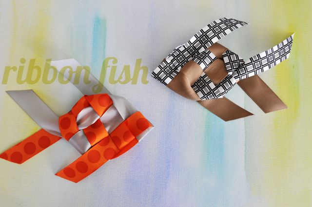 How to weave ribbon fish.  Wish I had seen this before xmas, look like they'd be cute ornaments...