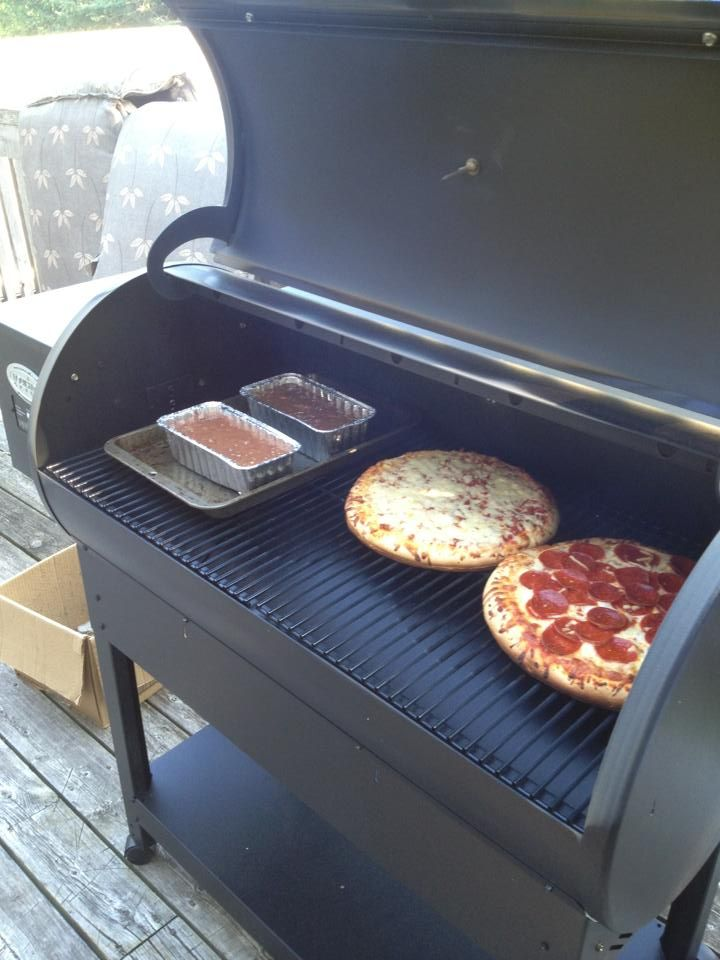 pizza and zucchini bread on a country smoker 680 get your. Black Bedroom Furniture Sets. Home Design Ideas