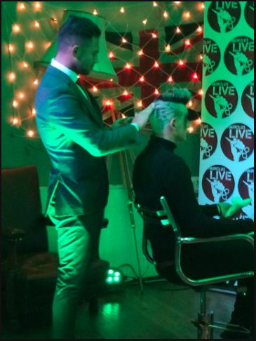 Check our Director opening the HAIR CLUB LIVE open chair event...