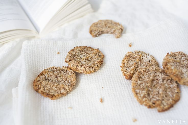 These cookies are virtually fool proof, so quick to make and they make such a nice treat. All you need is bananas, coconut flakes and a pinch of cinnamon.