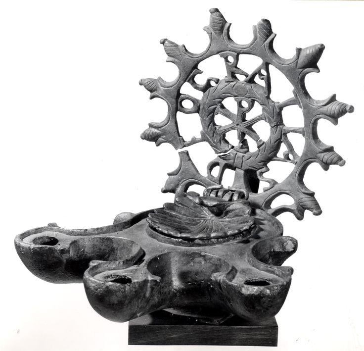 """Lucerna in bronzo, Selinunte IV sec. d.C. #mostra """"Del #Museo di #Palermo e del suo avvenire"""" - Il Salinas ricorda SALINAS 1914-2014 #museosalinas"""