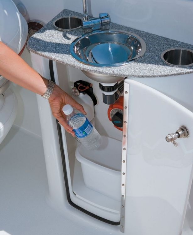 17 Best Images About Kitchen Sink Realism On Pinterest: 17 Best Images About Formula Boats On Pinterest