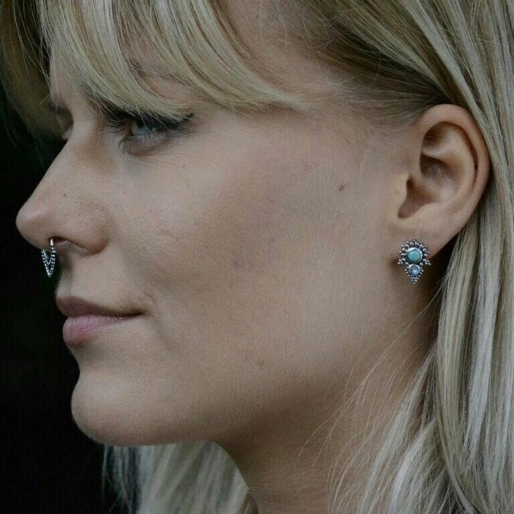 The new hot Pyramid Stud Earrings looks amazing! And what do you think about the combination of silver, turquoise & moonstone? I LOVE! 💕