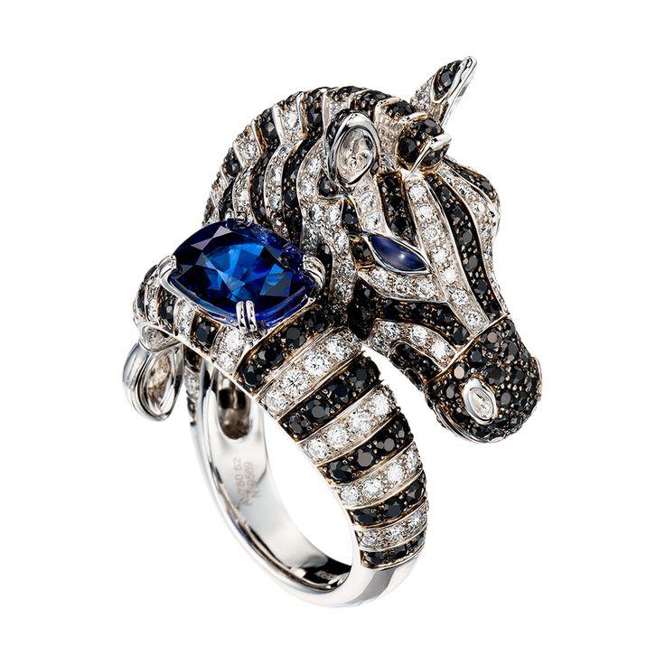 ゼブラ リング, a Maison Boucheron Jewelry creation. A Boucheron creation tells a Story, that of the Maison and your own.