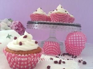 Cupcakes con Gocce di Frutti Rossi ❤   Semplici Delizie