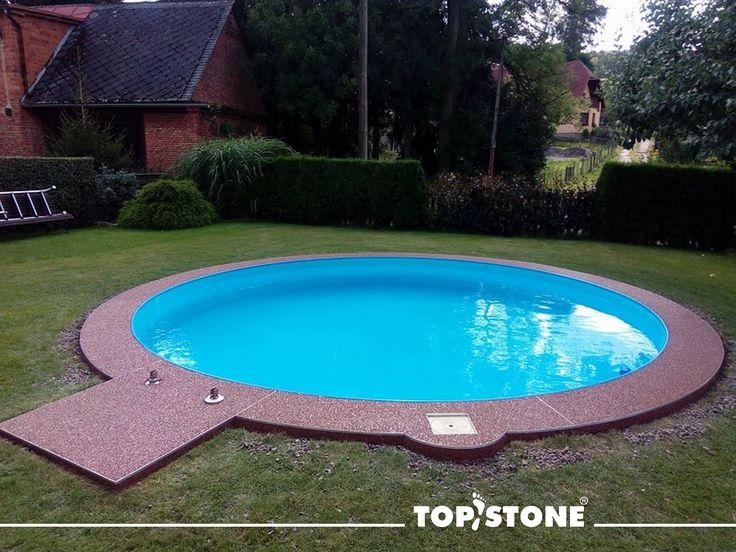 Mramorový kamínek TopStone Marrone Mogano okolo bazénu na Ústecko-orlicku. Nový beton byl napenetrován penetrací TopFix, kamínky byly namíchány v poměru 1:1 ve frakcích 2-4mm a 4-8mm. Užívejte léta :) 🏊♂️🏊♀️🤽♂️💦💥💥💥 https://eshop.topstone.cz/kamenny-koberec-marrone-mogano-ex… #topstone #kamennýkoberec #mramorovýkoberec