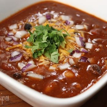 Skinny Taste - Crock Pot 3 Bean Turkey Chili This was crazy easy and Avery ate with without the onions and cilantro.  It's going in the rotation.  Plus crock pot cooking makes me feel like a BOSS.  Dinner ready the minute you walk in the door?!