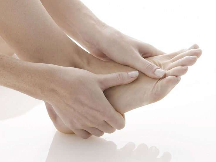 Why Do My Toes Go Numb When Walking?