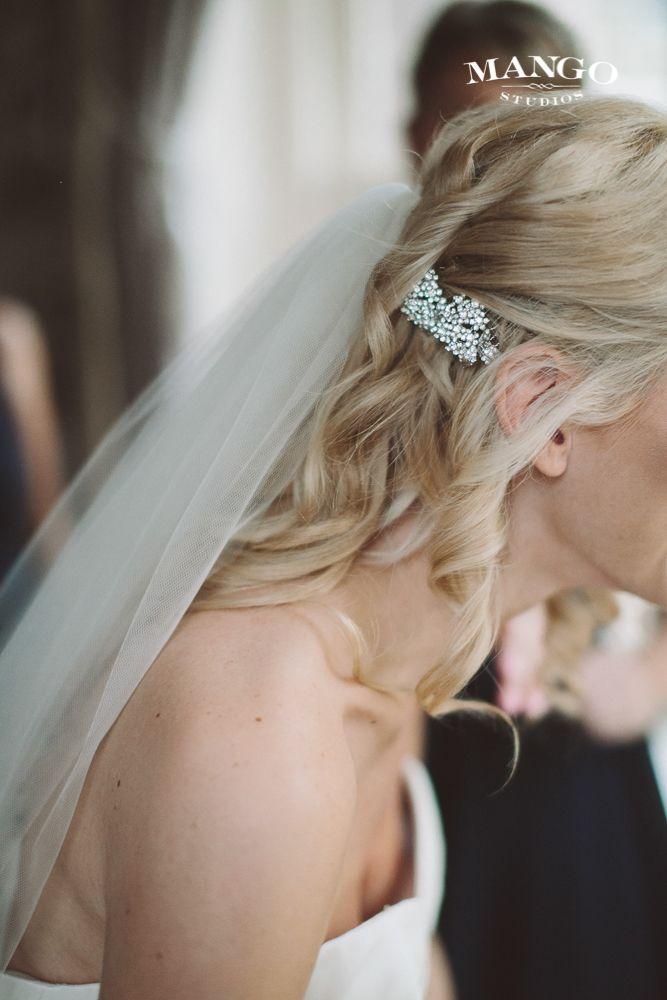 #hair #loose #curls #blonde #veil #weddingideas #bride #weddingday #wedding #photography #pretty #happy #mangostudios Photography by Mango Studios