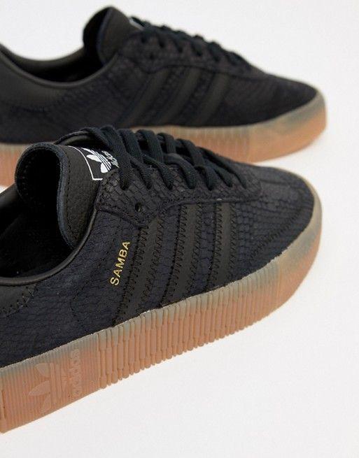 buy popular 669ea 10edd adidas Originals   Zapatillas de deporte en negro con suela de goma Samba  Rose de adidas