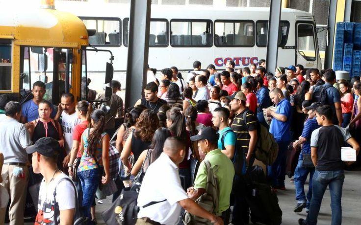 Comienza éxodo de tres millones de veraneantes en Honduras
