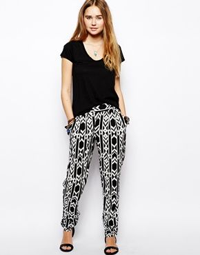 Kiss The Sky Hareem Pants In Tribal Print - Today on #FashionFriday we featured tribal print items! See how our staff paired this awesome tribal print pant with items from The Root Collective! http://ihearttrc.tumblr.com/post/88655995093/fashionfriday-tribal-print