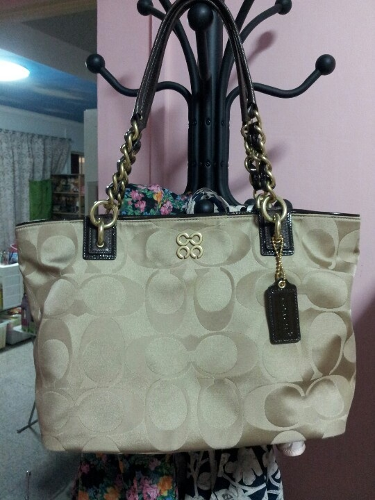 Classic coach bag,$39.99,shop at:  #wholesalecheaphub.com