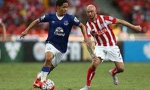 Roberto Martínez says returning Steven Pienaar faces 'huge time' in career - http://footballersfanpage.co.uk/roberto-martinez-says-returning-steven-pienaar-faces-huge-time-in-career/