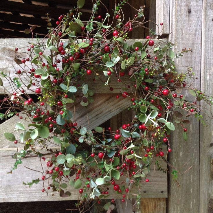 """Farm House Christmas Wreath 24"""" Christmas table"""