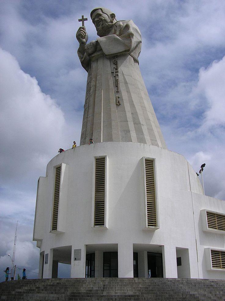 * Memorial Frei Damião de Bozzano * Guarabira, Paraíba. Brasil.