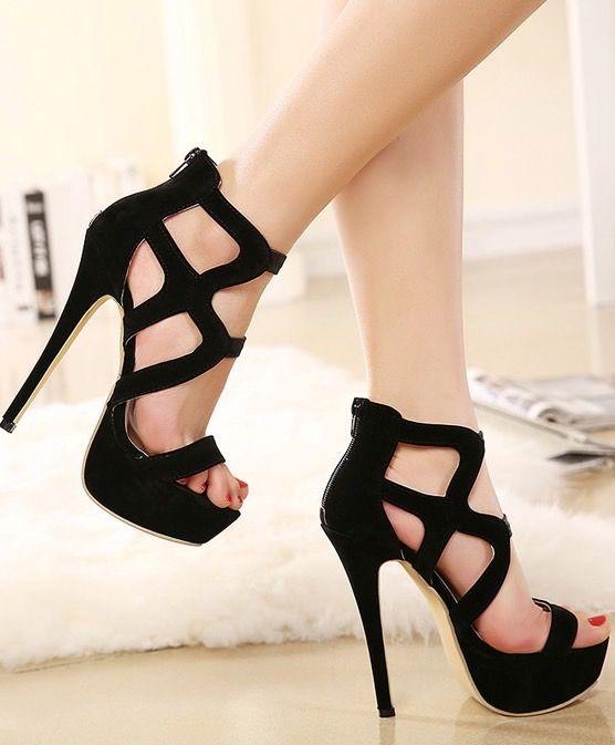 Black Strappy Peep Toe Fashion Sandals