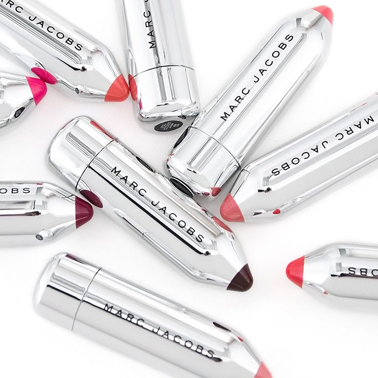 <3 if you think these Marc Jacobs Beauty Kiss Pops are the cutest lipsticks ever!