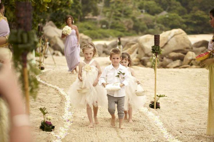 Leading the way...#farawayweddings #weddingsinthailand #pawanthornluxuryvillas