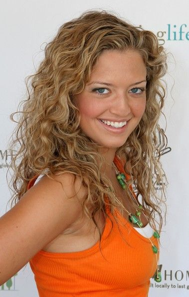 Lauren Storm - natural curls