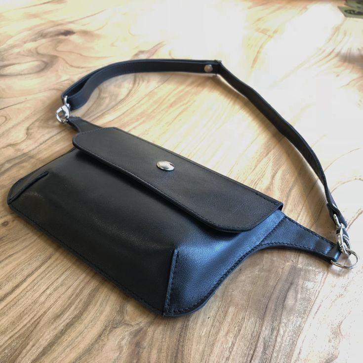 Een persoonlijke favoriet uit mijn Etsy shop https://www.etsy.com/nl/listing/589979166/leather-lederen-fanny-pack-heuptas