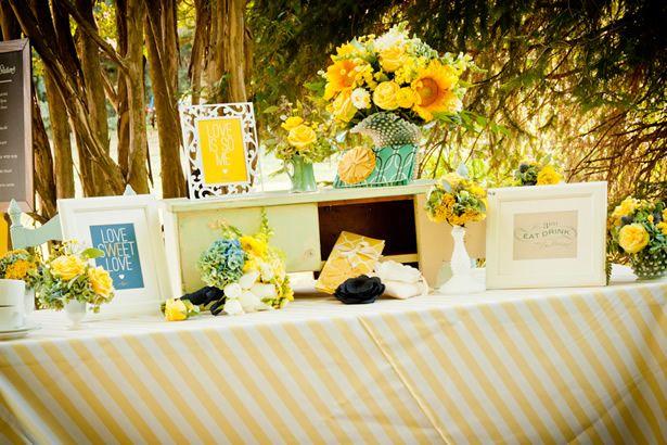 Best 25 Wedding Planner Book Ideas On Pinterest: Best 25+ Welcome Table Ideas On Pinterest