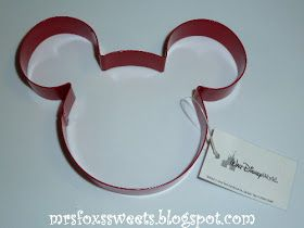 M - I -C- K -E- Y  M- O -U- S -E It has been almost a year since I purchased this Mickey Mouse Cookie Cutter at Disney World!  I hadn't ev...