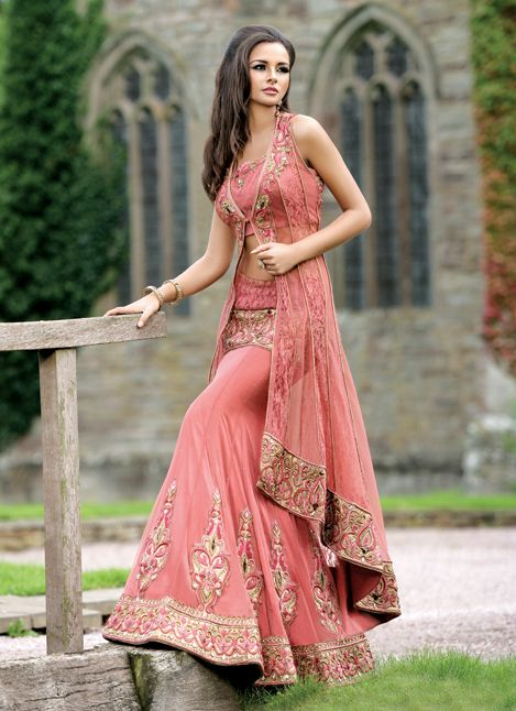 I think this would be a nice colour/style to wear for a Nikkah. #bridal #desi #asianbridal #khushboos