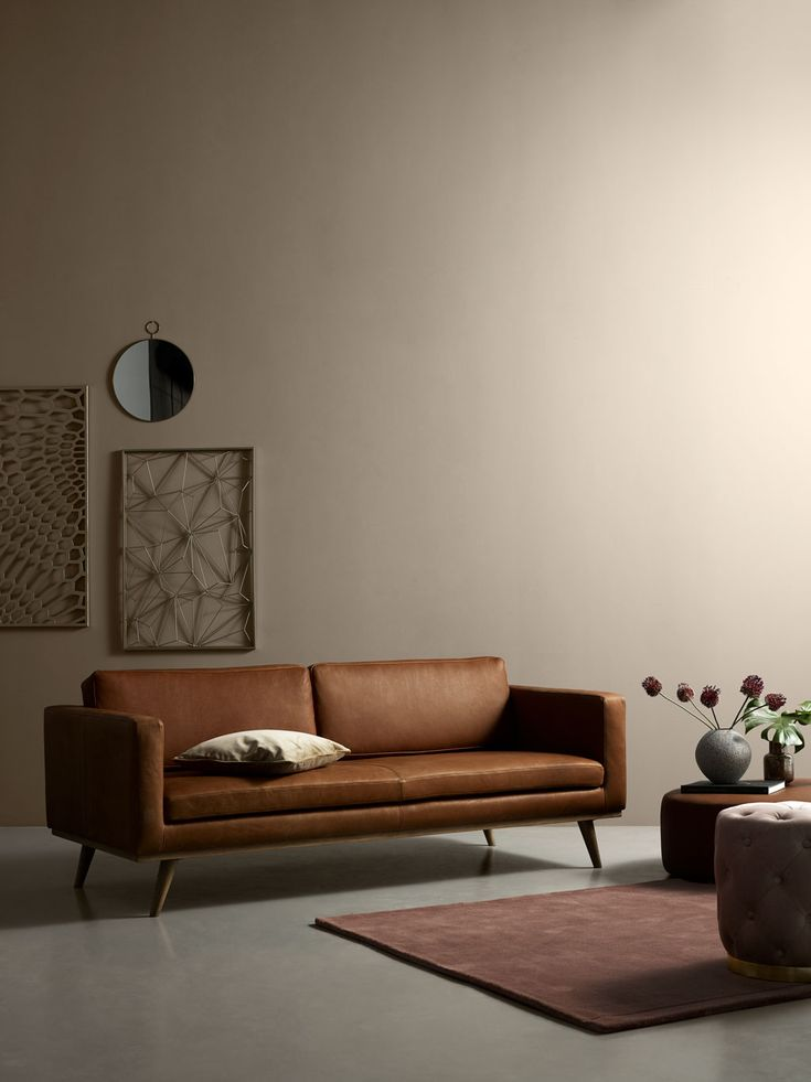 Johan With A Lot Of Character In Warm Anilin Leather Surrounded By Earthy Pink Tones Sofa Leather Danishdesign Furniture Livingroo 3er Sofa Mobel Sofas