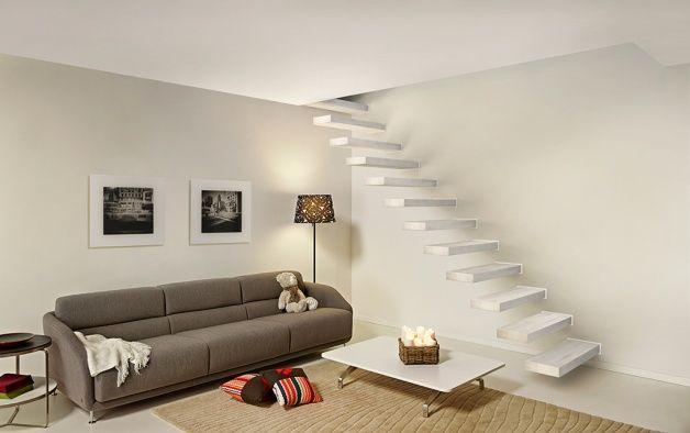 Wij introduceren via deze pagina de zwevende trap genaamd 'Wall':De Wall is een trap bestaande uit traptreden welke rechtstreeks in een dragende muur kunnen worden gemonteerd d.m.v. een stalen zijconstructie.