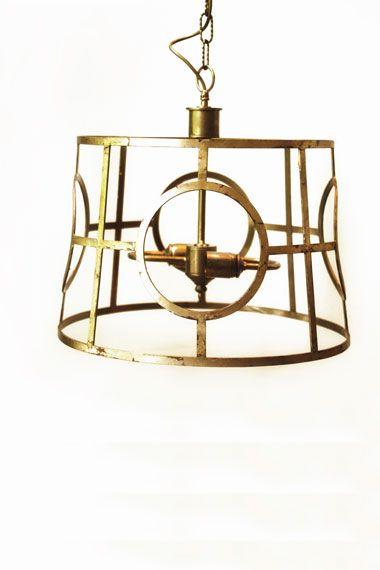 Lámpara de Techo Color Dorado Hierro | Iron Ceiling Lamp Golden Color. Detana, Madrid.