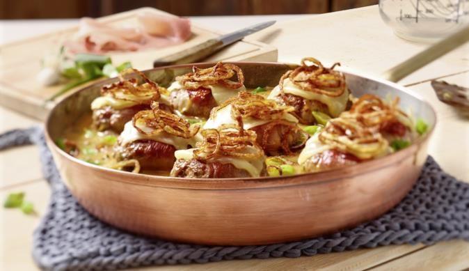 Frikadellen im Käsemantel - ein schmackhaftes MAGGI Rezept aus der Kategorie Fleisch. MAGGI Kochtipps für ein gutes Gelingen.